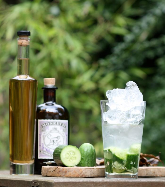Gin, bay liqueur, cucumber.