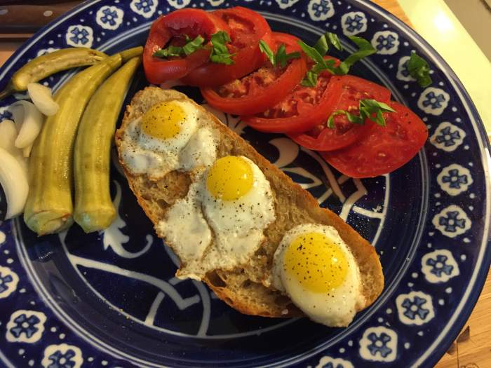 Quail eggs on toast